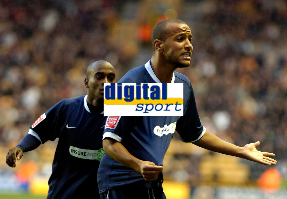 Photo: Ed Godden.<br /> Wolverhampton Wanderers v Southend United. Coca Cola Championship. 04/11/2006. Southend's Lewis Hunt appeals  that his shirt was pulled.