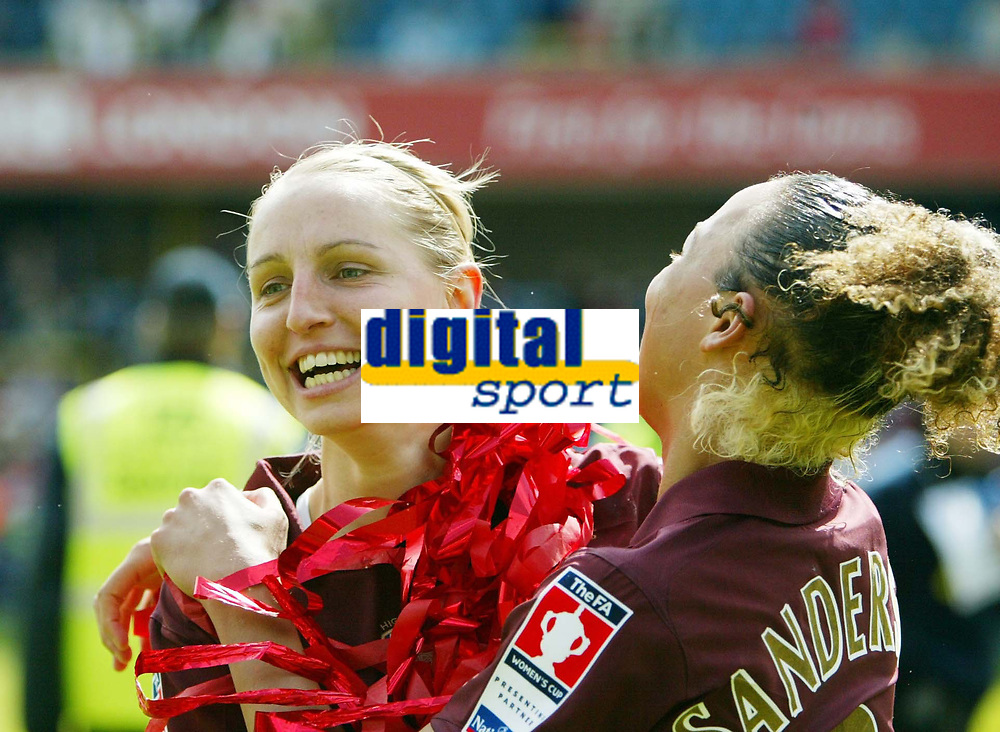 Photo: Chris Ratcliffe.<br /> Leeds United v Arsenal. Womens' FA Cup Final. 01/05/2006.<br /> Arsenal Ladies and Faye White (L) celebrate the easy win.