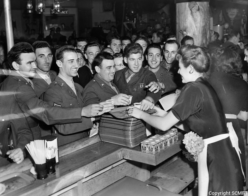 3/20/43 Servicemen at the food counter at the Hollywood Canteen