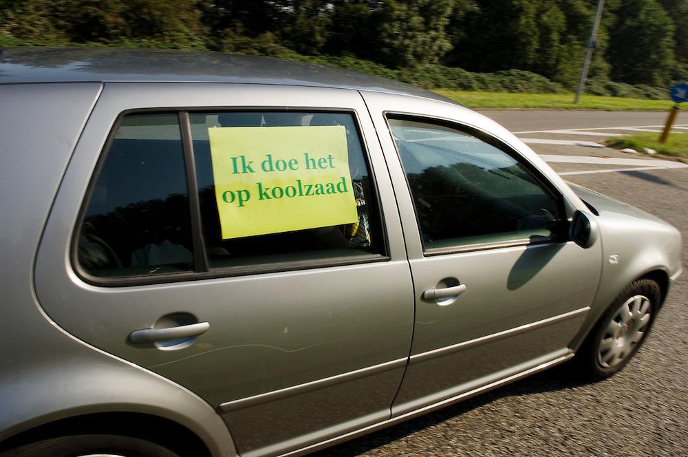 Nederland, Amsterdam, 23 sept 2007.Auto's en karretjes, voertuigen, op alternatieve energie..electrische aandrijving, gas, zonne-energie.Foto: auto die op koolzaadolie rijd.Foto (c) Michiel Wijnbergh