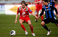 Fotball<br /> Toppserien<br /> Nadderud Stadion 05.04.10<br /> Stabæk - Arna Bjørnar<br /> Ingrid Ryland foran Ingrid Sæthre<br /> Foto: Eirik Førde