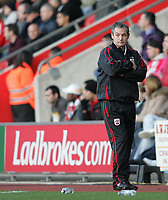 Photo: Lee Earle.<br /> Southampton v Ipswich Town. Coca Cola Championship. 21/01/2006. Southampton head coach George Burley looks dejected after losing to Ipswich.