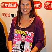 NLD/Volendam/20100827 - Uitreiking 100% NL magazine in samenwerking met Kruidvat keten aan Karin Bloemen en Rene Froger, oprichtster Lisette Sier