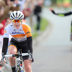 16-04-2016: Wielrennen: IJsseldelta Topcompetitie vrouwen: Zwolle<br />ZWOLLE (NED) wielrennen <br />Anna van der Breggen heeft voor de derde keer de Omloop van de IJsseldelta gewonnen. De renster van Rabo-Liv rekende in haar woonplaats Zwolle af met Vera Koedooder met wie ze in de finale weg reed uit een kopgroep van negen.De sprint voor de derde plaats ging naar Floortje Mackaij.