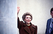 First Lady Nancy Reagan waving to the media..Photo by Dennis Brack BSB 18