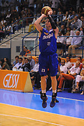 DESCRIZIONE : Borgosesia Torneo di Varallo Lega A 2011-12 EA7 Emporio Armani Milano Novipiu Casale Monferrato<br /> GIOCATORE : Matt Janning<br /> CATEGORIA :  Tiro<br /> SQUADRA : Novipiu Casale Monferrato<br /> EVENTO : Campionato Lega A 2011-2012<br /> GARA : EA7 Emporio Armani Milano Novipiu Casale Monferrato<br /> DATA : 10/09/2011<br /> SPORT : Pallacanestro<br /> AUTORE : Agenzia Ciamillo-Castoria/A.Dealberto<br /> Galleria : Lega Basket A 2011-2012<br /> Fotonotizia : Borgosesia Torneo di Varallo Lega A 2011-12 EA7 Emporio Armani Milano Novipiu Casale Monferrato<br /> Predefinita :