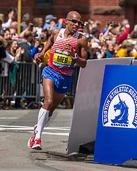 2014 Boston Marathon: Meb Keflezighi turns onto Boylston on way to victory