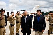 Manhuacu_MG, Brasil...Aecio Neves  e Jose Alencar na inauguracao do aeroporto de Manhuacu...Aecio Neves and Jose Alencar in of inauguration Manhuacu airport...Foto: BRUNO MAGALHAES /  NITRO