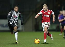 Bristol City's Simon Gillett drives forward - Photo mandatory by-line: Matt Bunn/JMP - Tel: Mobile: 07966 386802 21/12/2013 - SPORT - FOOTBALL - Meadow Lane - Nottingham - Notts County v Bristol City - Sky Bet League One
