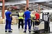 Koning brengt werkbezoek logistiek dienstverlener Dachser