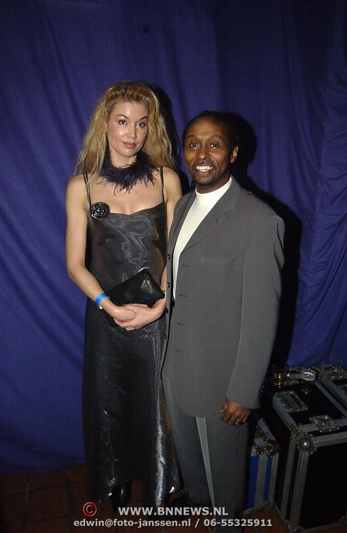 Uitreiking populariteitsprijs 2002, Forrest met nieuwe vriendin Jetske