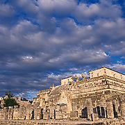 Temple of the warriors..Chichen Itza, Yucatan..Mexico