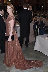 Annie Lˆˆf <br /> <br />  <br /> <br />  beim Nobelbankett 2016 im Rathaus in Stockholm / 101216 <br /> <br /> <br /> <br /> ***The Nobel banquet, Stockholm City Hall, December 10th, 2016***