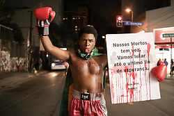 April 14, 2018 - Sao Paulo, Brazil - Hundreds of people rally on Paulista Avenue in Sao Paulo to reminisce and protest on 30th day since death of Marielle Franco. (Credit Image: © Dario Oliveira via ZUMA Wire)