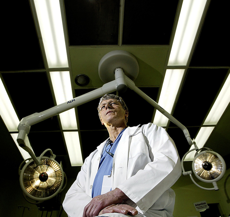 Dr. Alan Giachino is seen an operating room at the General Campus of the Ottawa Hospital on March 15, 2007. Giachino will be heading to Afghanistan later this year to help out the Canadian military due to a shortage of surgeons. .(Ottawa Sun Photo By Sean Kilpatrick).