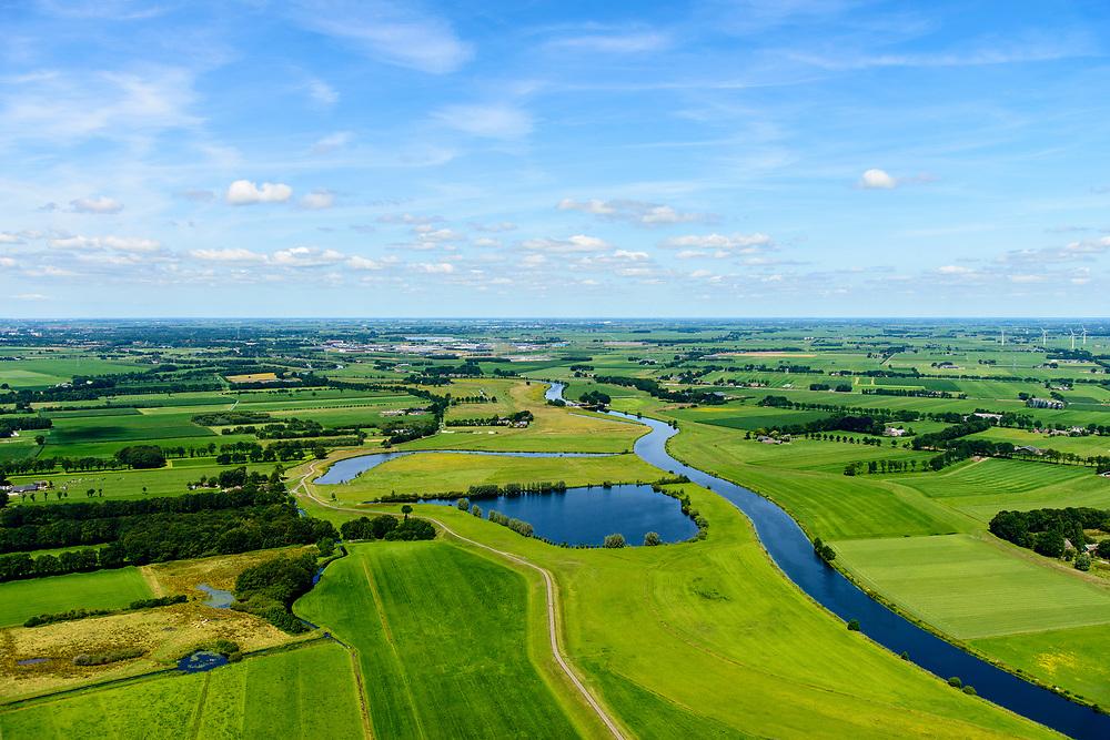 Nederland, Overijssel, Dalfsen, 17-07-2017; Overijsselse Vecht (of De Vechte) ten westen van Dalfsen. Vroegere meander (of dijkdoorbraak ?)<br /> River Vecht.<br /> luchtfoto (toeslag op standard tarieven);<br /> aerial photo (additional fee required);<br /> copyright foto/photo Siebe Swart