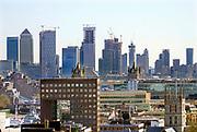 Engeland, Londen, 10-4-2019Straatbeeld van het centrum van de stad. Uitzicht over het oostelijk deel van het centrum, de city, het financiele district met hoogbouw van banken en kantoren . Architectuur,modern,moderne,zakenbanken,banken,zakelijk,bouw,bouwen,nieuwbouw,booming,centrum .Foto: Flip Franssen