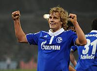 Fotball<br /> Tyskland<br /> 06.11.2011<br /> Foto: Witters/Digitalsport<br /> NORWAY ONLY<br /> <br /> 2:2 Jubel Torschuetze Teemu Pukki (Schalke)<br /> Bundesliga, Hannover 96 - FC Schalke 04