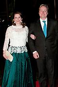 Nederland bedankt Beatrix in Ahoy ,Rotterdam. Nederlanders brengen een muzikale ode als dank voor 33 jaar koningschap.<br /> <br /> The Netherlands thanks Beatrix in Ahoy, Rotterdam. Dutch pay a musical tribute of thanks for 33 years of reign.<br /> <br /> Op de foto / On the photo: <br />  Prince Carlos and Princess Annemarie