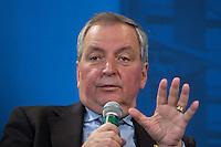 """12 JAN 2004, BERLIN/GERMANY:<br /> Klaus Toepfer, CDU, Exekutivdirektor des Umweltprogramms der Vereinten Nationen, UNEP, und Bundesumweltminister a.D., waehrend einer Diskussionsveranstaltung der CDU aus der Reihe """"Berliner Gespraeche"""" zum Thema """"Nach uns die Sintflut - Wohlstand auf Kosten der Zukunft?"""", Konrad-Adenauer-Haus<br /> IMAGE: 20040112-03-015<br /> KEYWORDS: Klaus Töpfer"""