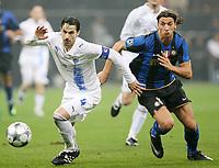 "IBRAHIMOVIC E KATSAVAKIS<br /> Milano 22/10/2008 Stadio ""Giuseppe Meazza"" <br /> Champions League 2008/2009<br /> Inter-Anorthosis<br /> Foto Luca Pagliaricci Insidefoto"