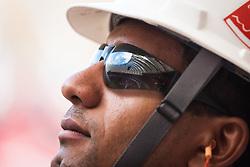 Beira Rio refletido nos óculos de um trabalhador em 31 de fevereiro de 2014. O Estádio Beira Rio, que receberá jogos da Copa do Mundo de Futebol 2014, tem mais 97% da sua reforma concluída e re-inauguração agendada para 04 de abril de 2014. FOTO: Jefferson Bernardes/ Agência Preview