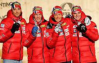 Kombinert<br /> VM 2013<br /> Cavalese Italia Val di Fiemme<br /> 24.02.2013<br /> Foto: Gepa/Digitalsport<br /> NORWAY ONLY<br /> <br /> FIS Nordische Ski Weltmeisterschaften 2013 in Val di Fiemme, Teambewerb, Normalschanze, Siegerehrung, Medaillenvergabe am Piazza dei campioni. Bild zeigt Magnus Moan, Håvard Klemetsen, Magnus Krog und Jørgen Graabak (NOR). Keywords: Medaille.