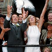 Huwelijk Kees Ruiters en Chantal Wurster, oplaten witte duif