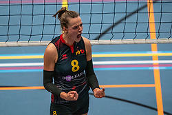 Laure Snijders #8 of Utrecht in action in the first Topdivision match between Booleans/ VV Utrecht - SOMAS/Activia on September 19, 2020 in Utrecht.