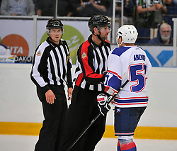 23.08.2013, Loefbergs Lila, Karlstad, SWE, European Trophy, Ishockey Faerjestad vs Adler Mannheim, im Bild Adler Mannheim 57 Arendt Ronny talks to referee // during the European Trophy Icehockey match betweeen Ishockey Faerjestad and Adler Mannheim at the Loefbergs Lila in Karlstad, Sweden on 2013/08/23. EXPA Pictures © 2013, PhotoCredit: EXPA/ PicAgency Skycam/ Simone Syversson<br /> <br /> ***** ATTENTION - OUT OF SWE *****