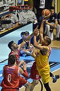 DESCRIZIONE : Torino Campionato 2015/16 Serie A Beko Lega A Manital Auxilium Torino -  Grissin Bon Reggio Emilia<br /> GIOCATORE : Andre Dawkins<br /> CATEGORIA : Tiro Penetrazione<br /> SQUADRA : Manital Auxilium Torino<br /> EVENTO : LegaBasket Serie A Beko 2015/2016<br /> GARA : Manital Auxilium Torino - Grissin Bon Reggio Emilia<br /> DATA : 05/10/2015<br /> SPORT : Pallacanestro<br /> AUTORE : Agenzia Ciamillo-Castoria/GiulioCiamillo