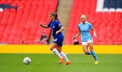 Chloe Kelly of Manchester City Women chases down Melanie Leupolz of Chelsea Women- Mandatory by-line: Nizaam Jones/JMP - 29/08/2020 - FOOTBALL - Wembley Stadium - London, England - Chelsea v Manchester City - FA Women's Community Shield
