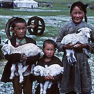 MN301 Nomadic portraits. Mongolie, Portraits  nomades