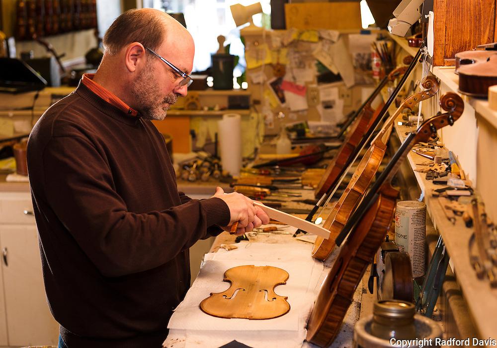Repairing a violin