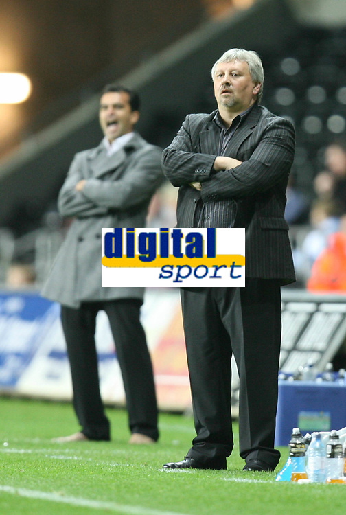 Photo: James Davies.<br />Swansea City v Swindon Town. Coca Cola League 1. 02/10/2007. <br />Swindon`s Manager Paul Sturrock looks on as his side go behind.