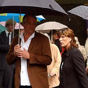 NLD/Laren/2005005 - Begrafenis Roy Beltman, Carola Smit en partner Herman Sier