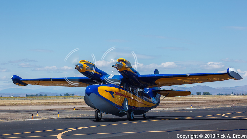 A Grumman Super Goose taxiing at the Airshow of the Cascades.
