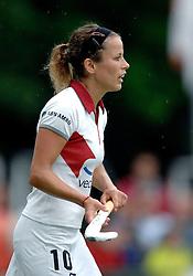 20-05-2007 HOCKEY: FINALE PLAY OFF: DEN BOSCH - AMSTERDAM: DEN BOSCH <br /> Den Bosch voor de tiende keer op rij kampioen van de Rabo Hoofdklasse Dames. In de beslissende finale versloegen zij Amsterdam met 2-0 / Silvia Karres<br /> ©2007-WWW.FOTOHOOGENDOORN.NL