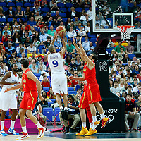 08 August 2012: France Tony Parker takes a jumpshot over Jose Calderon during 66-59 Team Spain victory over Team France, during the men's basketball quarter-finals, at the 02 Arena, in London, Great Britain.