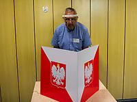 Bialystok, 28.06.2020. Wybory prezydenckie 2020. N/z przygotowania do otwarcia OKW nr 82 fot Michal Kosc / AGENCJA WSCHOD