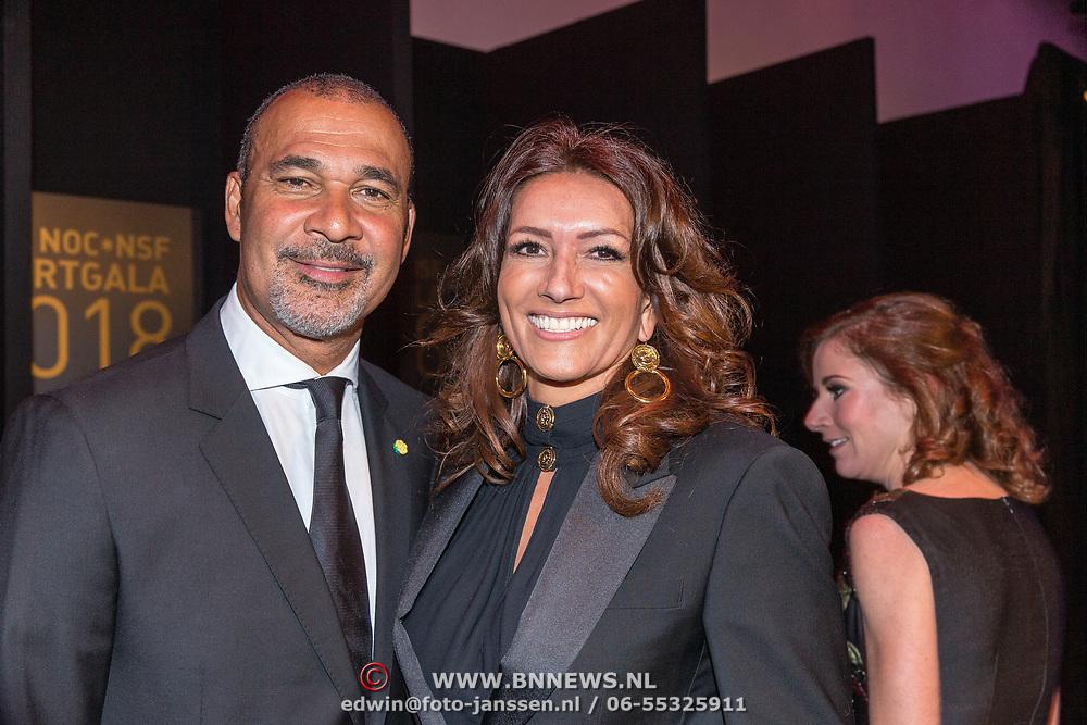 NLD/Amsterdam/20181219 - NOC*NSF Sportgala 2018, Ruud Gullit en partner Karin