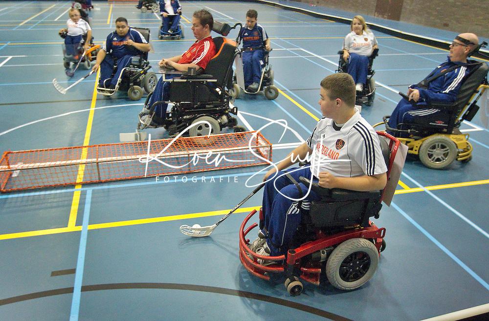 ARNHEM (PAPENDAL) -  Training Nationale team Rolstoelhockey voor het WK in Italie 2010. COPYRIGHT KOEN SUYK