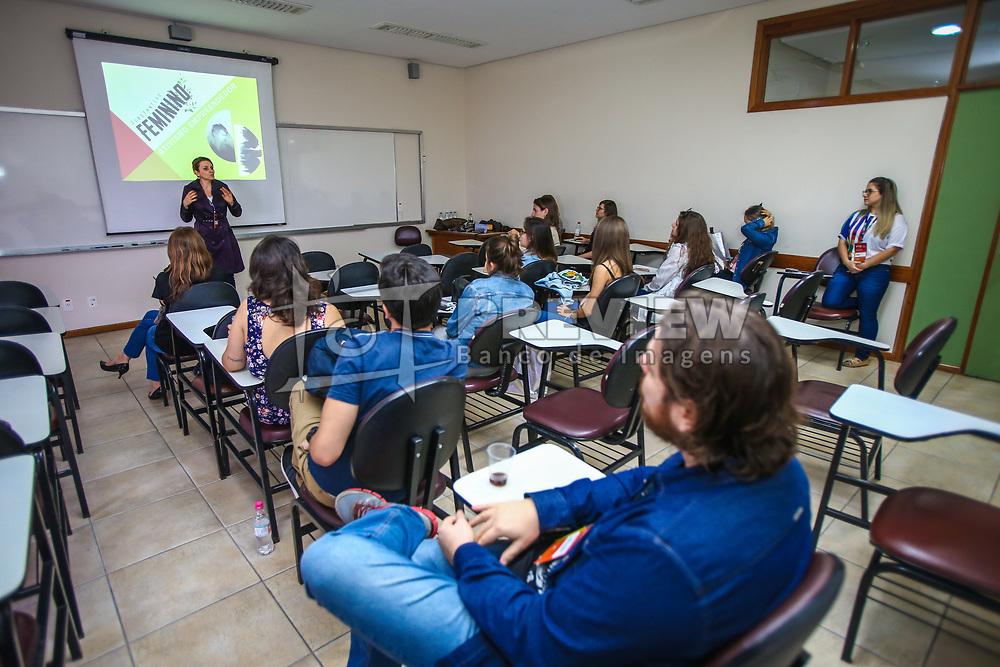 Daniela Sallet apresenta a palestra no #FT17, Festival da Transformação 2017, realizado pela Associação dos Dirigentes de Marketing e Vendas do Rio Grande do Sul (ADVB-RS), na ESPM-Sul. Inspirado em alguns dos maiores eventos do mundo de inovação e tendências (SXSW, Cannes Lions e Burning Man), o #FT17 é maior hub de conteúdo da história de Porto Alegre.  Foto: Gustavo Granata / Agência Preview