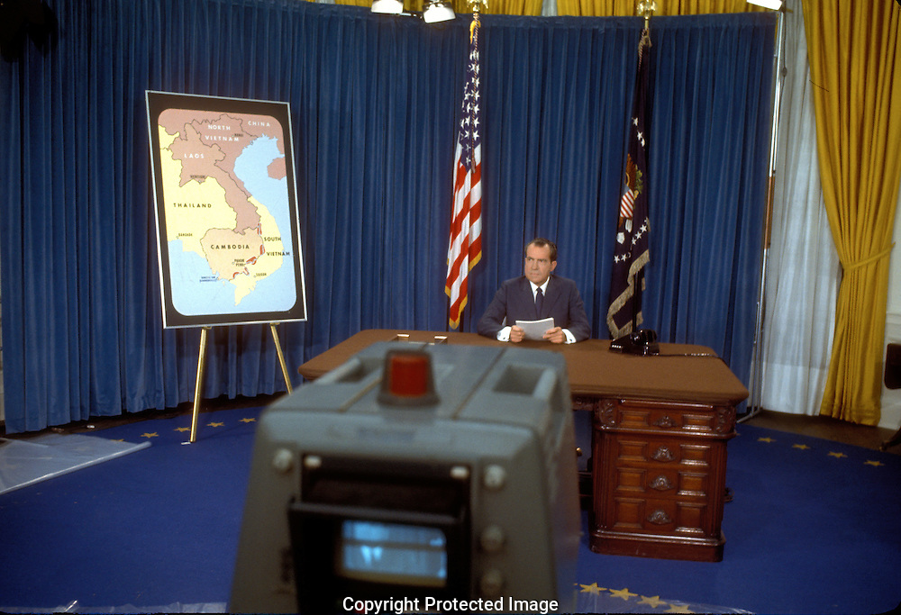 .President Nixon televison address to the nation on Cambodia in May 1970.Photograph by Dennis Brack  BS B 15