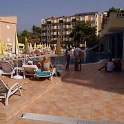 Miss Nederland 2003 reis Turkije, zwembad hotel club Paradiso Alanya