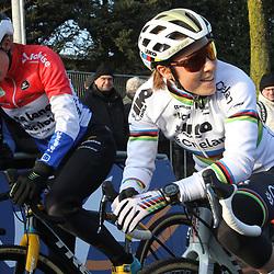 27-12-2019: Wielrennen: DVV veldrijden: Loenhout:Sanne Cant: Lucinda Brand