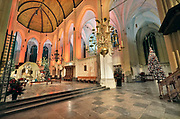 Nederland, Nijmegen, 19-12-2019In en rond de stevenskerk is kerstversiering aangebracht. In de kerk staat ook een kerstkribbe, kerststal .Foto: Flip Franssen