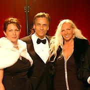 Miljonairfair 2004, Robert Schoemacher en vrouw en vrienden