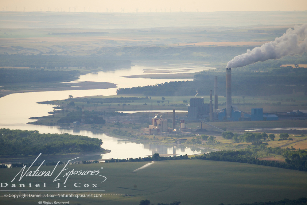 Coal fired power plant along the banks of the Missouri River, North Dakota