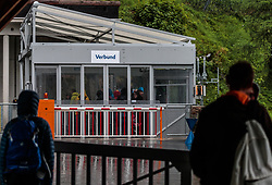 THEMENBILD - Touristen beim Schrägaufzug zu den Stauseen, aufgenommen am 16. Juni 2017, Kaprun, Österreich // Tourists at the funicular to the reservoirs on 2017/06/16, Kaprun, Austria. EXPA Pictures © 2017, PhotoCredit: EXPA/ JFK
